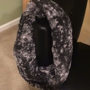 NWOT Infinity Scarf by Apt. 9 Black/White/Grey